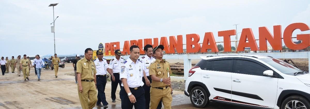 Bupati Tinjau Pelabuhan Penyeberangan Batang Karimunjawa